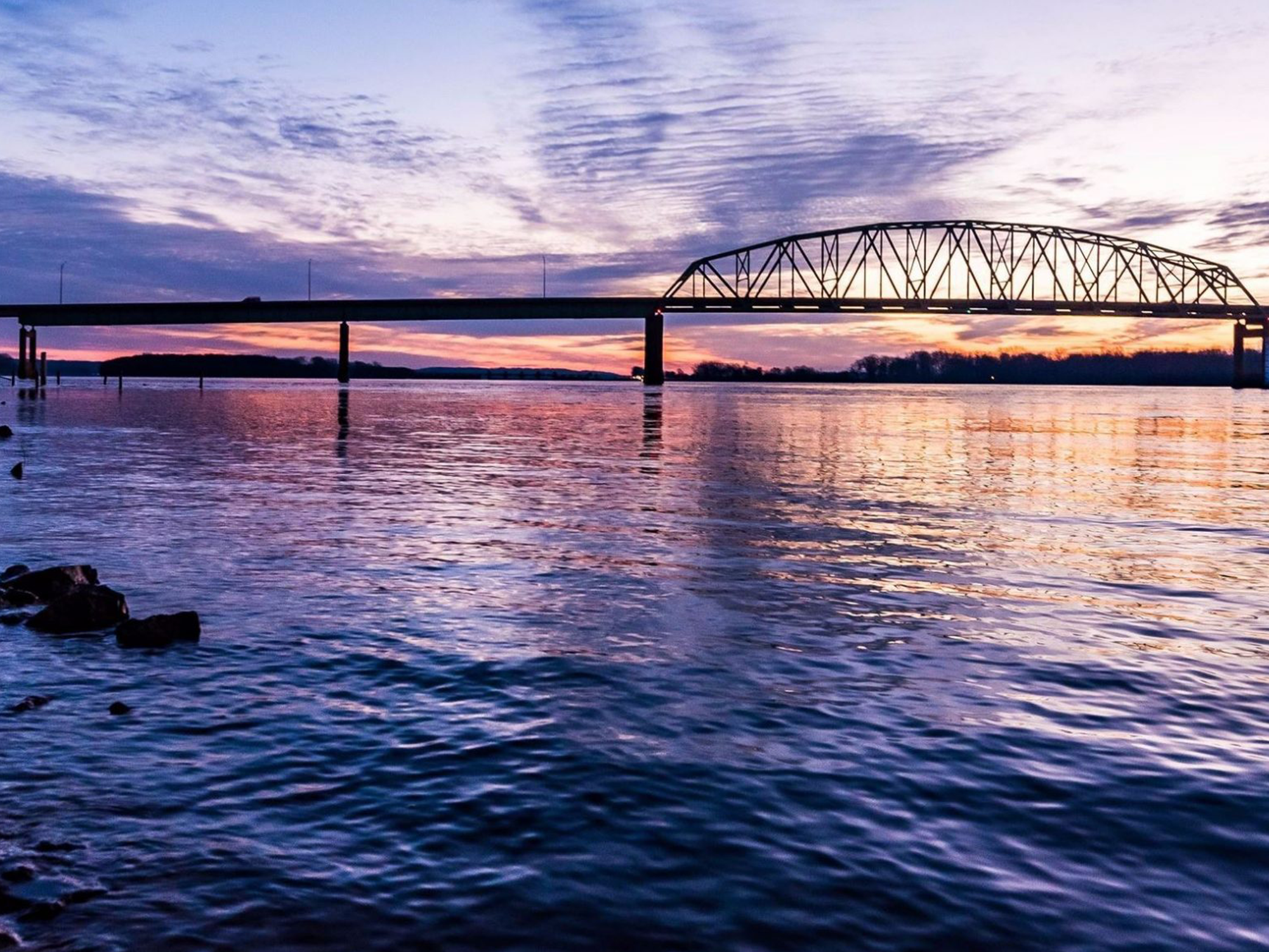 mississippi river with norbert becky bridge